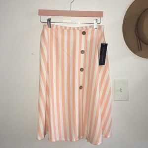 Classic Concepts / NWT Peach Stripped Skirt